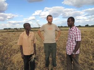 Am Reisfeld mit dem Vater