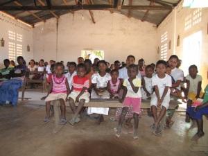 Beim Gottesdienst in Ampijoroa, Heimat von Adonis